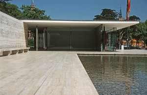 Mies Van Der Rohe's Barcelona Pavillion. Beautiful, but bad for productivity? (Image sourced from WikiCommons: Gaf.arq)